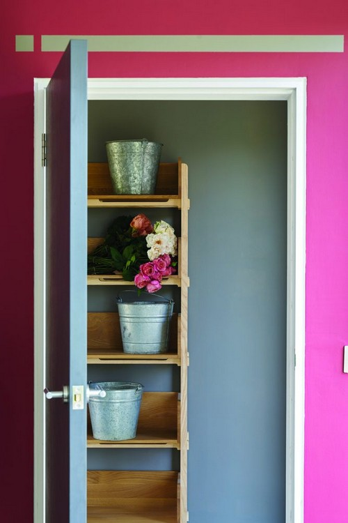 2-trendy-interior-color-spring-2017-farrow-and-ball-Radicchio-pink-walls-gray-door