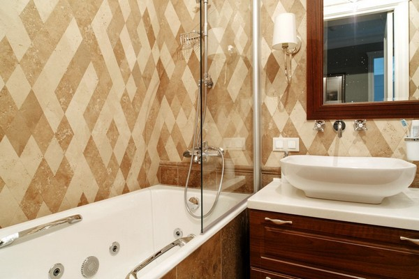 20-English-interior-style-bathroom-rombus-diamond-shaped-marble-wall-tiles-double-wash-basin (2)
