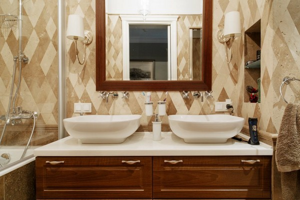 21-English-interior-style-bathroom-rombus-diamond-shaped-marble-wall-tiles-double-wash-basin-wooden-cabinet-wooden-mirror-frame-white-lamps (2)