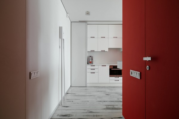 21-white-and-red-hallway