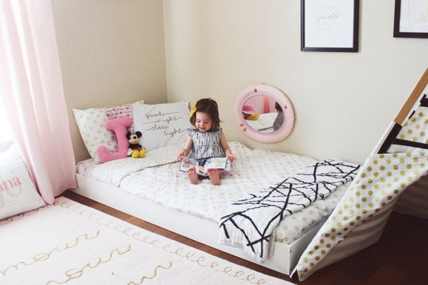 3-0-maria-monterssori-toddler-room-floor-bed-low-mirror-carpet