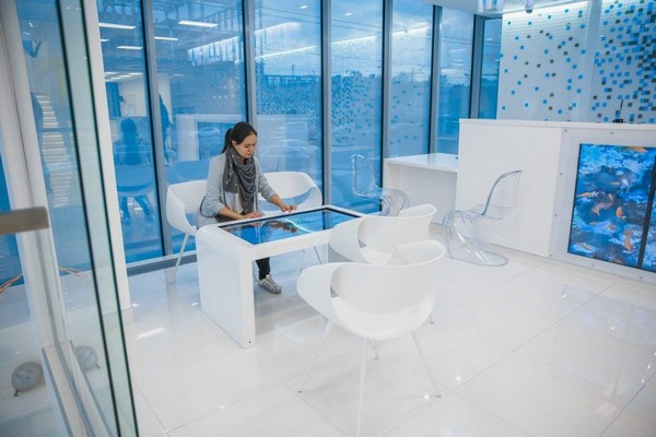 3-1-blue-and-white-modern-glossy-hospital-interior-white-arm-chair-transparent-chairs-fish-tank-panoramic-windows
