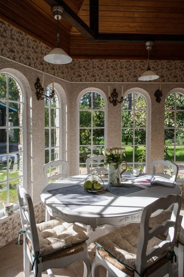 3-cozy-beige-and-turquoise-garden-gazebo-interior-design-summer-kitchen-dining-room-set-bay-windows-mosaic-tiles-retro-lamps-garden-view