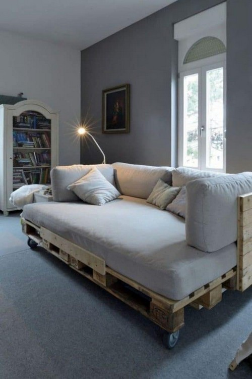 3-diy-hand-made-pallet-furniture-wheeled-sofa-couch