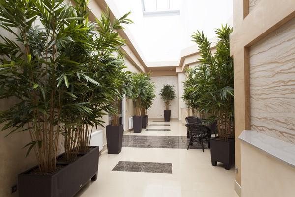4-4-flexible-sandstone-in-interior-design-hallway