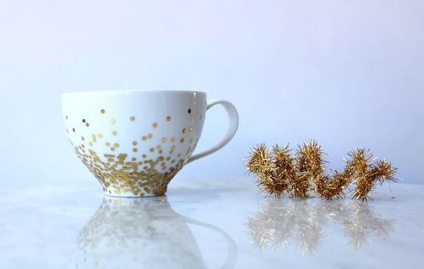 4-DIY-hand-made-Golden-Confetti-Dipped-Cup-mug-christmas-decor