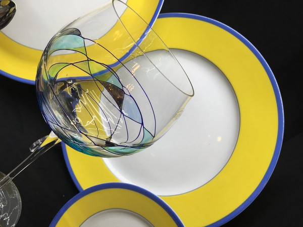 4-exclusive-beautiful-china-porcelain-dining-set-yellow-and-blue-plate-painted-wine-glass-robert-haviland