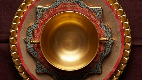 4-exclusive-luxurious-china-porcelain-tableware-l'objet-blue-pink-beige-gold-mediterranean-oriental-motives-table-set