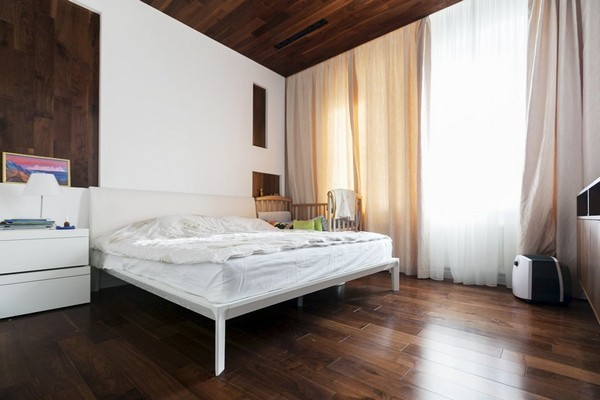 4-minimalist-style-interior-bedroom-white-walls-wooden-ceiling