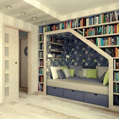 5-home-library-ideas-book-storage-around-bed-recessed