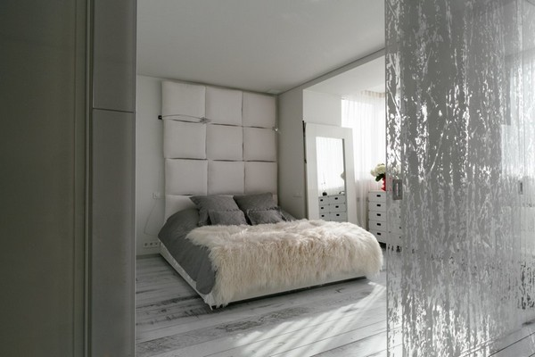 5-white-bedroom-walls-white-ebony-floor-Lualdi Porte-glass-door-pillows-headboard
