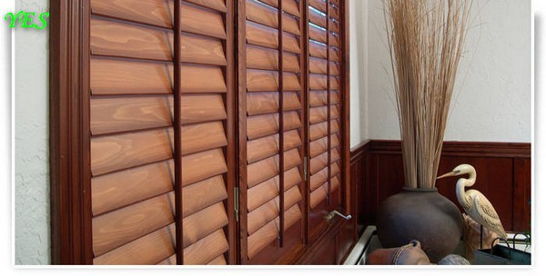 5-wooden-plantation-shutters-blinds-windows (1)