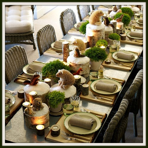 6-2-christmas-table-setting-decoration-composition-rustic-greenery-hedgehogs