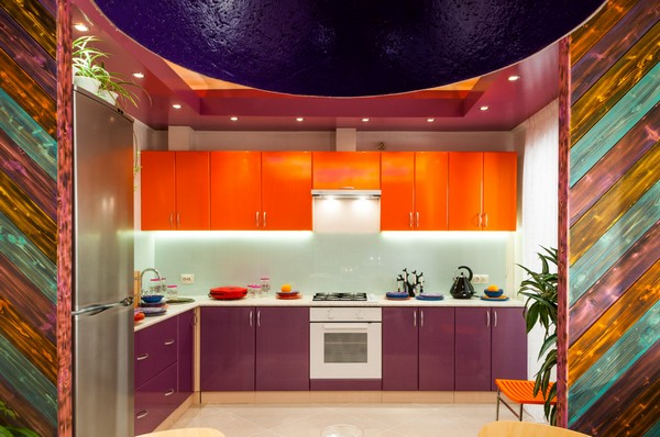 6-bright-positive-interior-purple-orange-white-kitchen-multicolor-charred-wood-partitions-minimalist-multicolor-kitchen-set-tempered-glass-backsplash