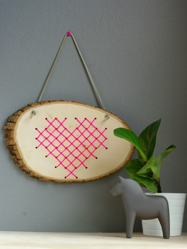 6-cross-stitch-pattern-in-interior-design-wooden-wall-decor-country-style