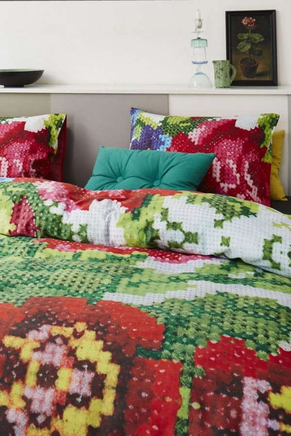 7-cross-stitch-pattern-in-bedroom-interior-design-bed-linen-bedding-floral