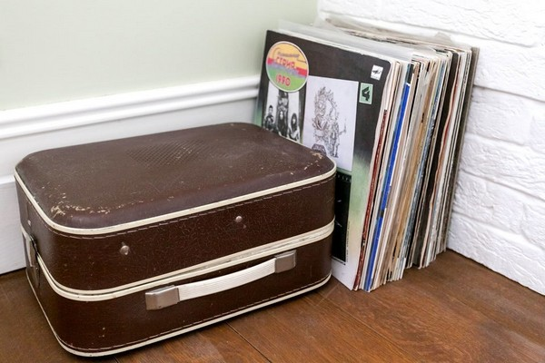 7-english-interior-style-vinyl-records