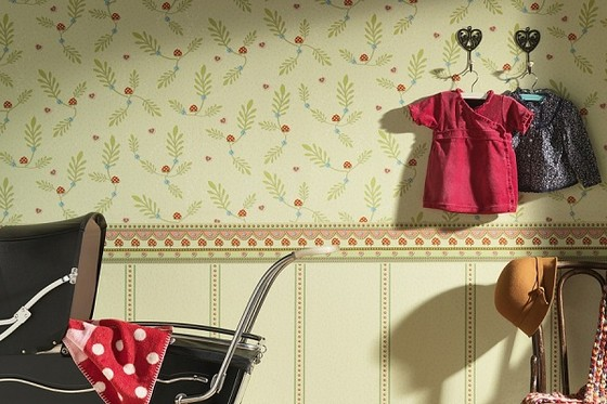 7-paper-wallpaper-with-floral-pattern-in-kids-room-interior-black-retro-baby-carriage
