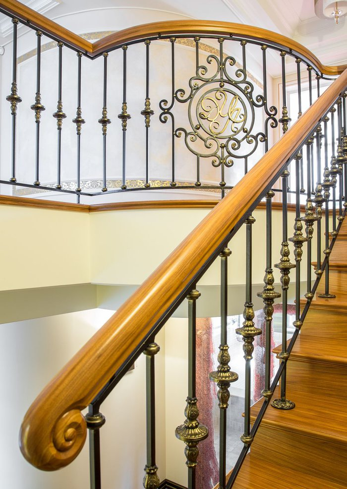 7_cr-forged-stair-railings-staircase-forged-stair-railings-staircase-classical-style