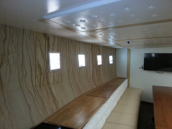 8-1-flexible-sandstone-in-interior-design-yacht-boat-cabin