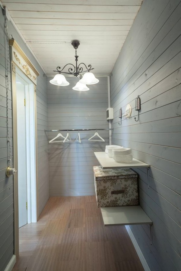 8-2-provence-gustavian-style-work-room-workshop-grayish-blue-walls-white-wooden-ceiling-wall-decor-walk-in-closet
