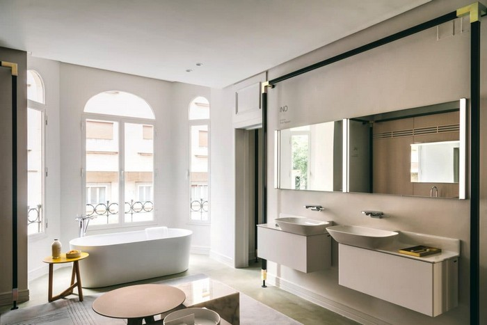 8-laufen-bathroom-showroom-madrid-spain-designer-wash-basin-cabinet-bath-bathtub-Patricia-Urquiola