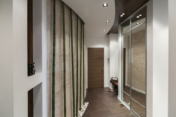 8-minimalist-style-interior-bamboo-pebbles-glass-door-wardrobe-hallway
