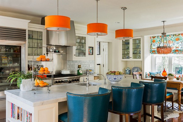8-orange-color-in-white-kitchen-interior-design-accents-orange-lamps-tangerines