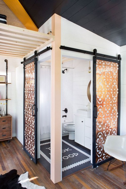 8-two-double-glazed-sliding-doors-in-bathroom-interior-design