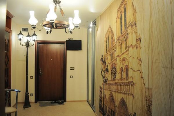 9-3-flexible-sandstone-in-interior-design-hallway-entrance-hall-digital-printing-mural-street-light