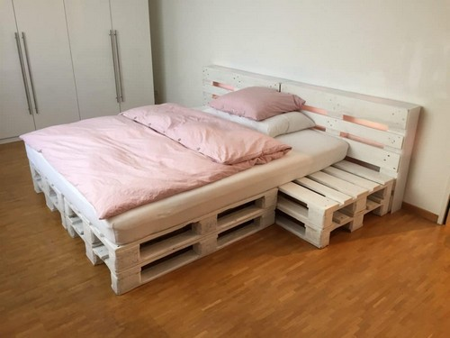 Pallet furniture in interior design 20 ideas home for Bed made of pallets