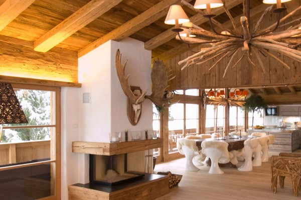 Wooden house in chalet style with fairy tale scenes home interior design kitchen and bathroom - Chalet moderne ...