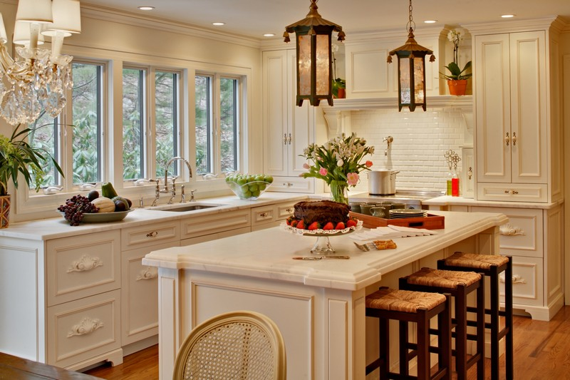 0-kitchen-island-white-classical-traditional-style-wooden-pendant-lamps-bar-stools-seating-windows-beautiful-view