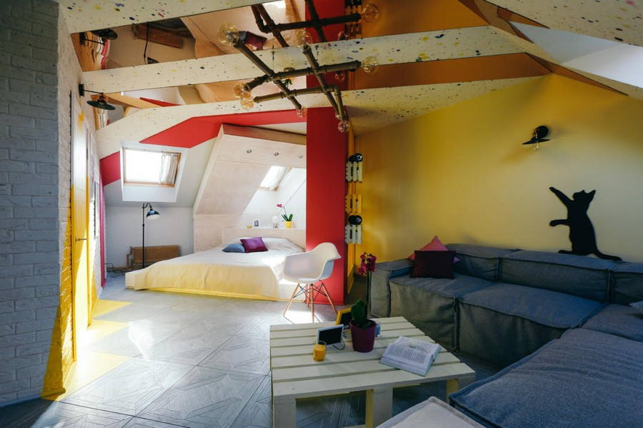 0-ultra-bright-attic-interior-design-diagonal-funriture-arrangement-plastic-mirror-ceiling-panels-brick-tiles-gray-yellow-fuchsia-pink-accents