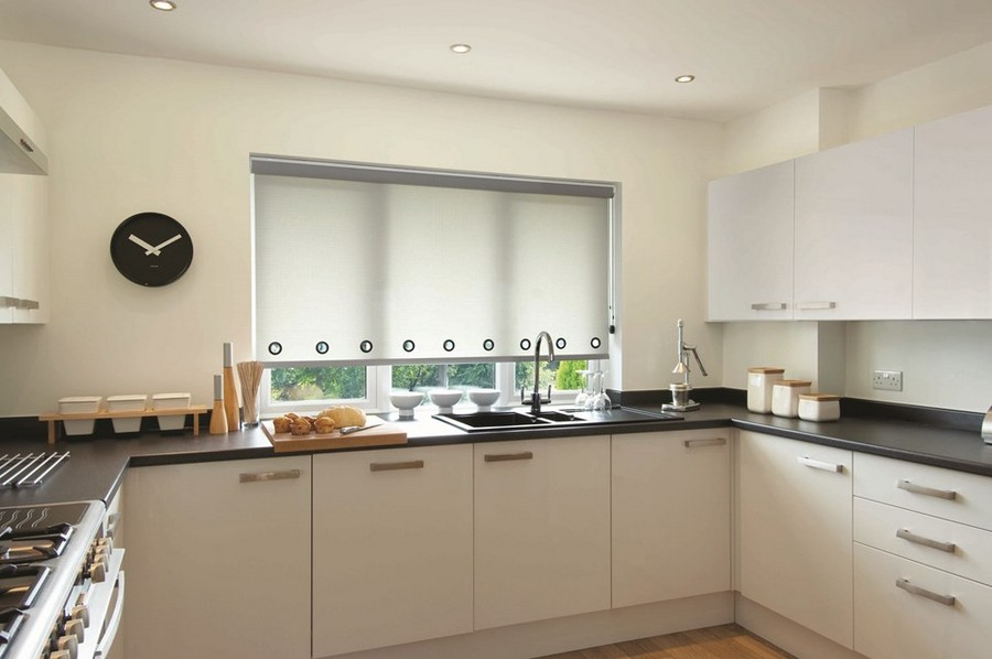 10-1-2-roller-blinds-in-kitchen-interior-design-window