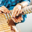 10-DIY-hand-made-mirror-frame-wooden-clothes-pins-pegs-eco-style
