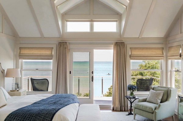 10-bedroom-interior-design-with-ocean-sea-view-panoramic-windows-bed