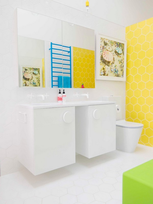 10-cheerful-white-blue-and-yellow-bathroom-interior-design