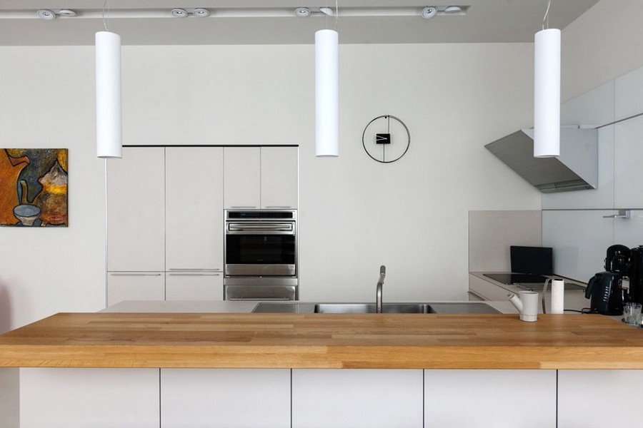 10-minimalist-style-interior-design-apartment-white-kitchen-wooden-worktop