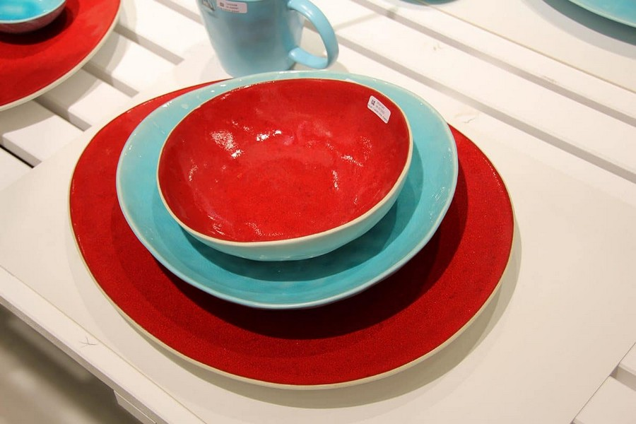 11-Asa-Selection-luxury-tableware-kitchen-table-settings-design-at-Maison-and-&-Objet-2017-Exhibition-trade-fair-Paris-red-and-blue-set