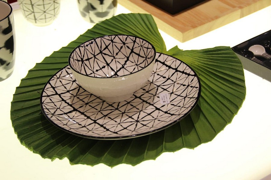 12-Asa-Selection-luxury-tableware-kitchen-table-settings-design-at-Maison-and-&-Objet-2017-Exhibition-trade-fair-Paris-green-black-and-white-tea-set