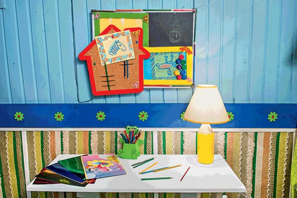 13-bright-wooden-toddler-kid's-girl's-bedroom-playroom-room-interior-design-writing-desk-blue-and-green