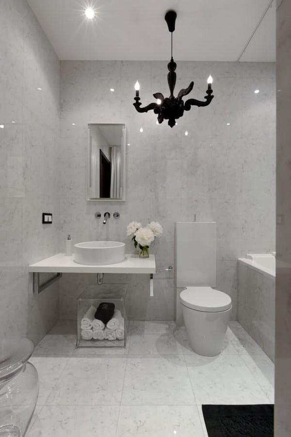 14-cozy-elegant-neo-classical-modern-gray-black-and-white-interior-design-bathroom-black-chandelier-Mui-Philippe-Starck-toilet-bowl-elongated-shape-tank