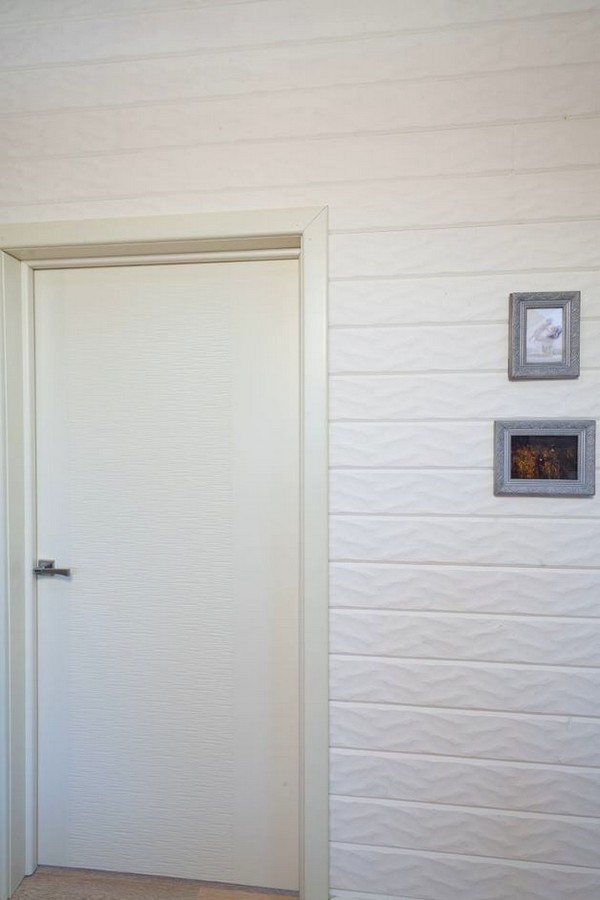 14-textured-embsosing-on-the-door-white-3D-walls
