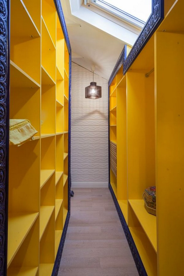 15-cheerful-blue-yellow-white-attic-walk-in-closet-interior-design-skylight