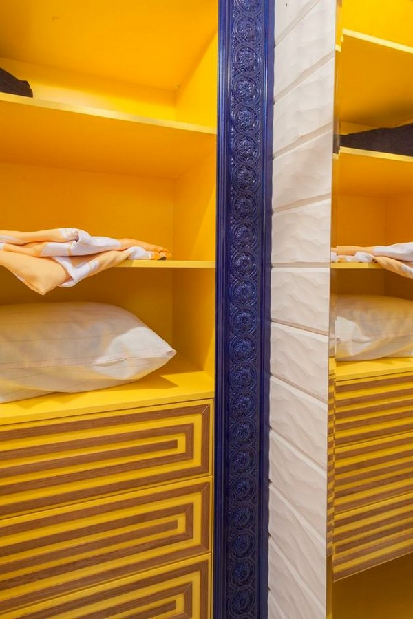 16-cheerful-blue-yellow-white-attic-walk-in-closet-interior-design-3D-wall