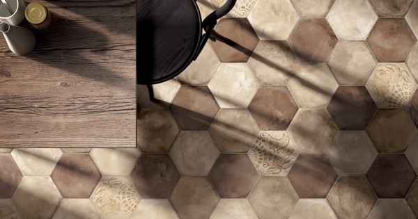 18-beige-brown-hexagonal-floor-tiles-in-kitchen-interior-design