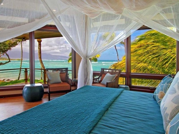 19-bedroom-interior-design-with-ocean-sea-view-panoramic-windows-canopy-bed
