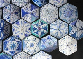 19-blue-hexagonal-tiles-floral-pattern