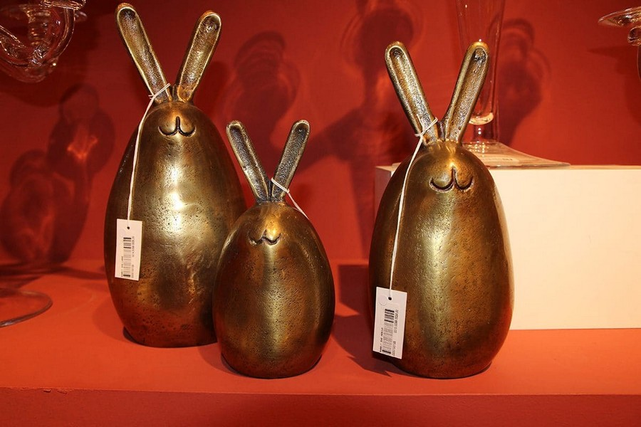 2-Flamant-happy-rabbits-bunnies-brass-figurines-home-decor-interior-accessories-at-Maison-&-Objet-2017-exhibition-trade-fair